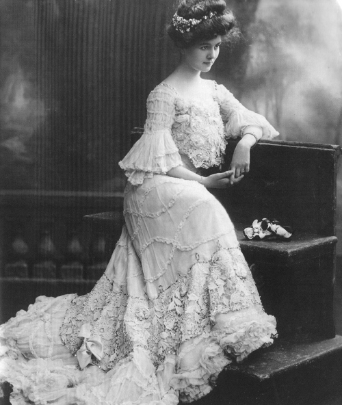 black and white, dress, early 20th century, edwardian, fashion, lace