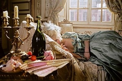 actor, actress, celebrities, decadence, film, french, kiki, kirsten dunst, marie antoinette, movie, oplulence, victorian, window