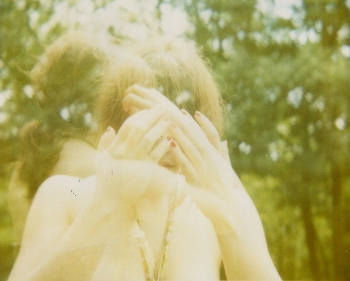 beauty, blur, expired film, girl, hands, hidden face