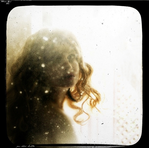 beauty, blur, curls, dreamy, girl, glitter, inspiration, kristamas, kristamas klousch, pretty, sparkly, viewfinder, vintage