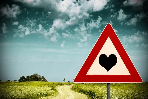 camino ala felicidad, corazon, dirt road, heart, heart road, heart sign