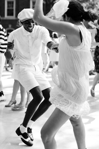 black and white, fresh, gatsby, gray, jazz age, lawn party, moda, new york, people, photography, samba, sartorialist, style, swing dance, white