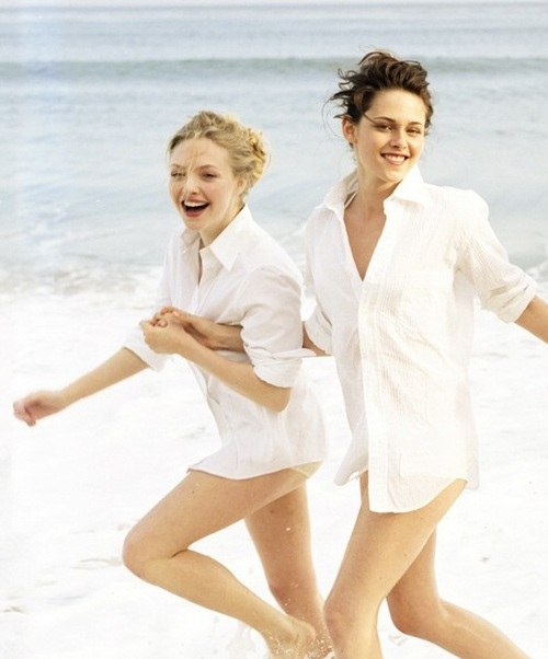amanda seyfried, beach, cop you a white tee, frisky, girls , kristen stewart