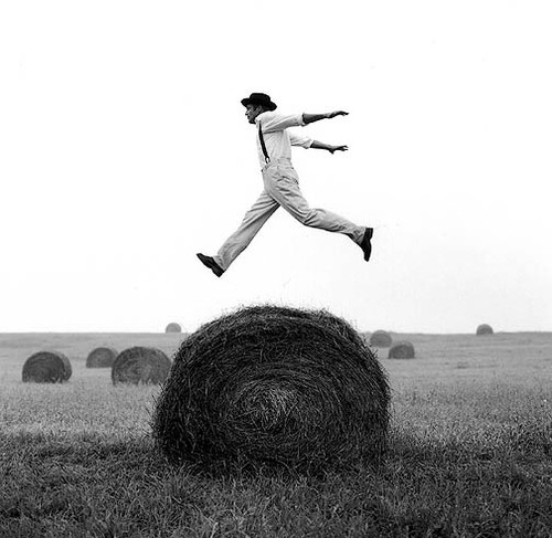 bale of hay, black and white, blanconegro, bolashierba, bowler hat, campo