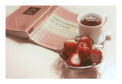 berries, book, books, breakfast, fruit, lazy sunday, morango, mug, novel, photography, pink, pretty, red, strawberries, tea