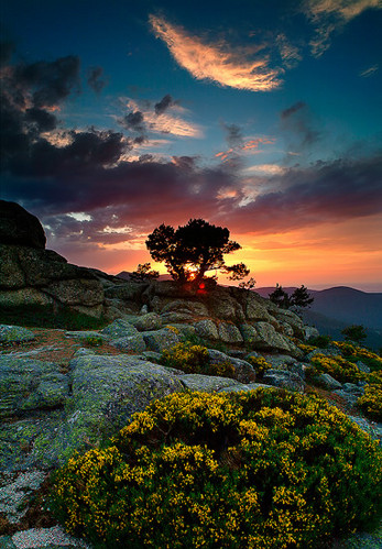 atardecer, beautiful, beauty, blossoms, cliffs, clouds, color, colorful, colours, contraluz, evening, favorites, fotografi, garden, landscape, mountain, mountains, nature, nd grad, orange, peach, photo, photography, rock, rock colors, rocks, scenery, sky