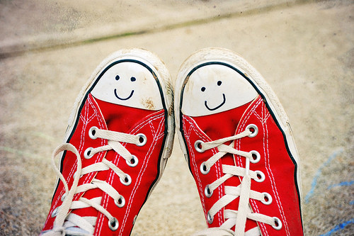 chucks, creative, cute, happy, happy sneakers, love, red, shoes, sneakers, tarainer