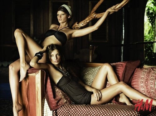 body, couple, daria werbowy, fashion, lara stone, legs, model, tree