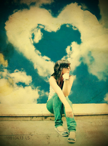 alone, art, cielo, cloud, clouds, clouds girl, color, concept, conceptual, deviant, girl, graphic design, heart, idea, image, inspiration, life, love, people, photograph, photography, pop culture, sky, sun, thinking, thoughts, vintage, woman