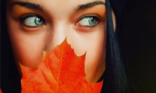 blue eyes black. autumn, lack hair, lue eyes,