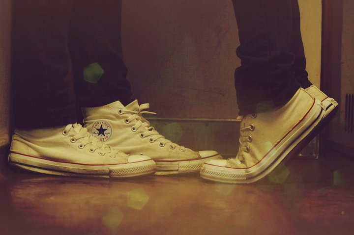 bokeh, chucks, converse, couple, love