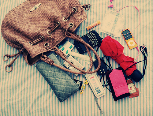 agyness dean, apple, bag, beach, blackberry, book, boys, cake, calvin klein, chanel, chiara ferragni, chillin, chocolate, clothes, d&g, dior, drink, elle, emporio armani, eyeshadow, fashion, flowers, gucci, hair, happy, hollywood, in my bag, iphone
