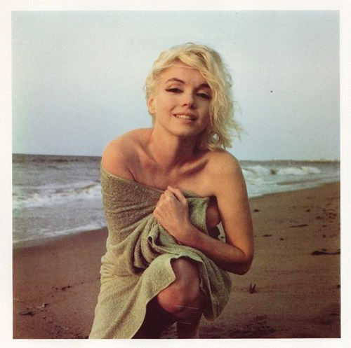 beach, blonde, irl, marilyn monroe, naked, perfect, towel