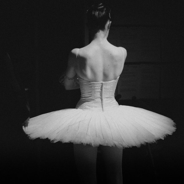Black And White Ballet Dancer. allet, lack and white,
