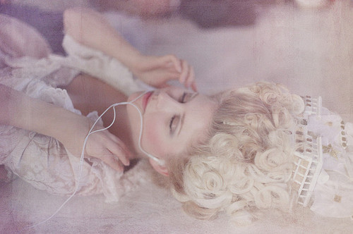 amazing, hair, ipod, kirsten dunst, lovely, marie antoinette