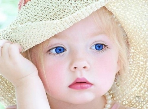 baby-blonde-blue-eyes-girl-hat-Favim.com-48876.jpg