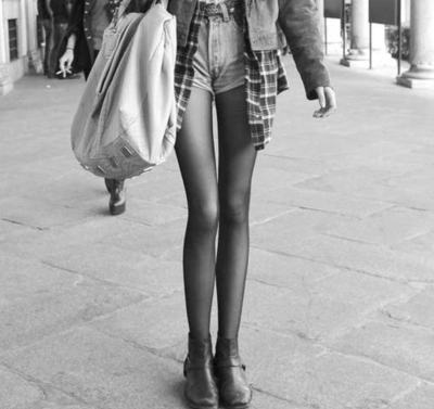 bag, black and white, knees, legs, shorts, skinny
