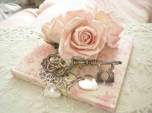 Accessories key pink pretty rose vintage