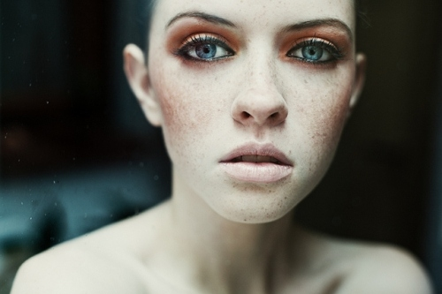 beauty, blue eyes, fashion, freckles, hannah lutterbach, lips