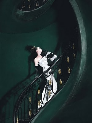 actress, anne hathaway, beautiful, beauty, classic, fashion, girl, gown, green, hollywood, model, pale, staircase, stairs, style, white, woman