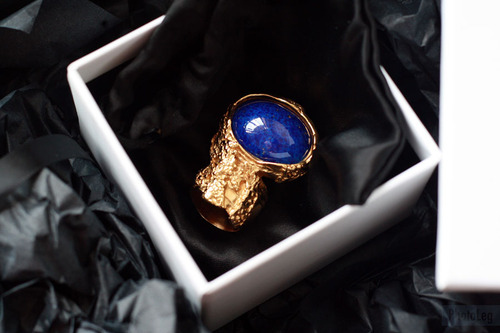نعوؤمًمًہْ جً'ــمٌالً blue-gold-ring-stone