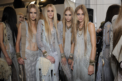 backstage, blond, blondes, brunettes, fashion, girls, models