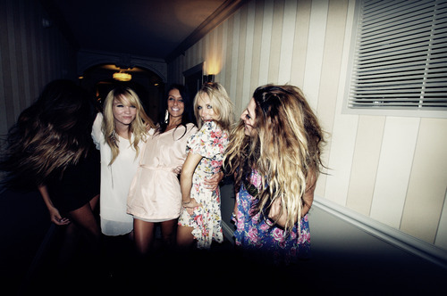 drunk, fashion, friends, friendship, girls , party
