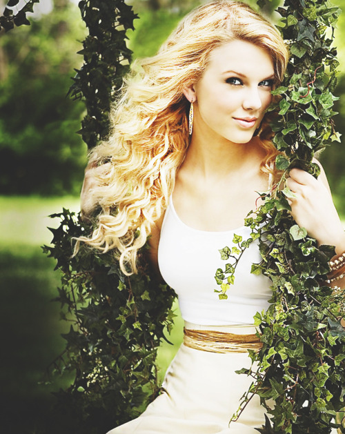 blond, cute, girl, green, pretty, rooms, swift, swing, taylor, taylor swift