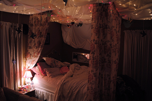 beautiful, bed, cute, dark, floral, image, light, love, nedroom, photo, pic, picture, pink, room, twinkle, wanna, want, warm