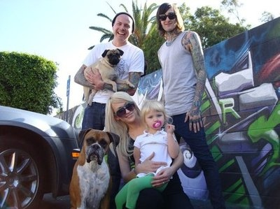 child, cute, deathcore, jolie carmadella, jolie lucker, kenadee isis lucker