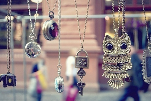 http://favim.com/orig/201107/08/girly-key-necklaces-owl-photograph-photography-Favim.com-98026.jpg