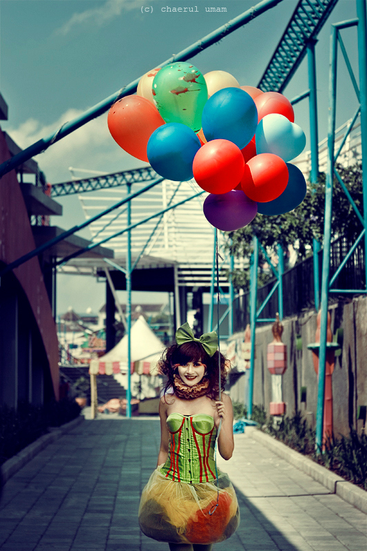 balloon, blue, colour, girl, green, happy