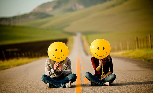 balloon, boulevard, couple, sitting, smiley, two, yellow