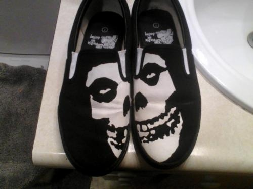 band, chris, envy, misfits, motionless in white, old, old rock band, rock band, shoes, skull, skulls, trash, vans