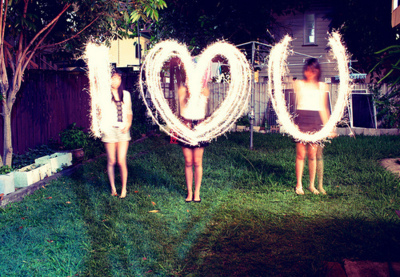 <3, blur, bright, cute, dark, girls, heart, i love you, light, lights, love, lovee, outside, photography, pretty, wow
