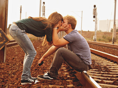 adorible, converse, couple, cute, kiss